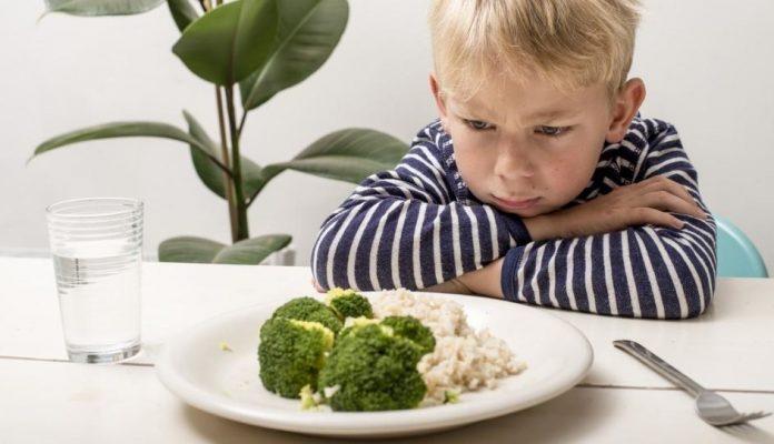 Enfant et légumes